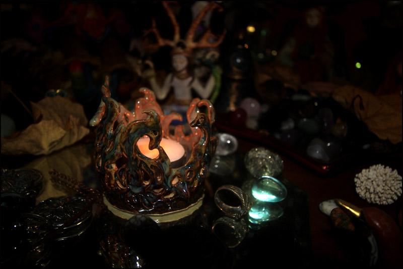 Fantasmagoric tealight holder